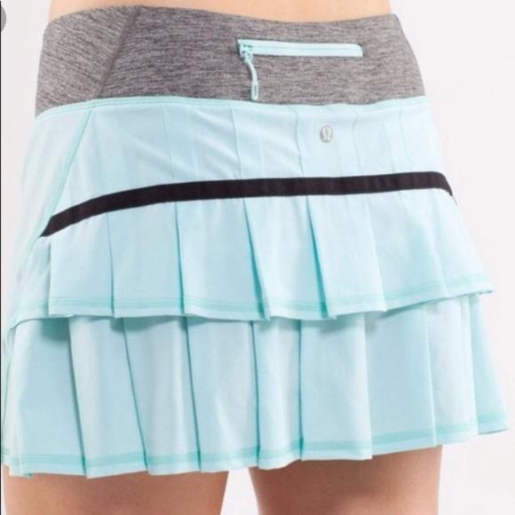 lululemon athletica Dresses & Skirts - Lululemon PACE SETTER skirt Sz 6 Aqua marine
